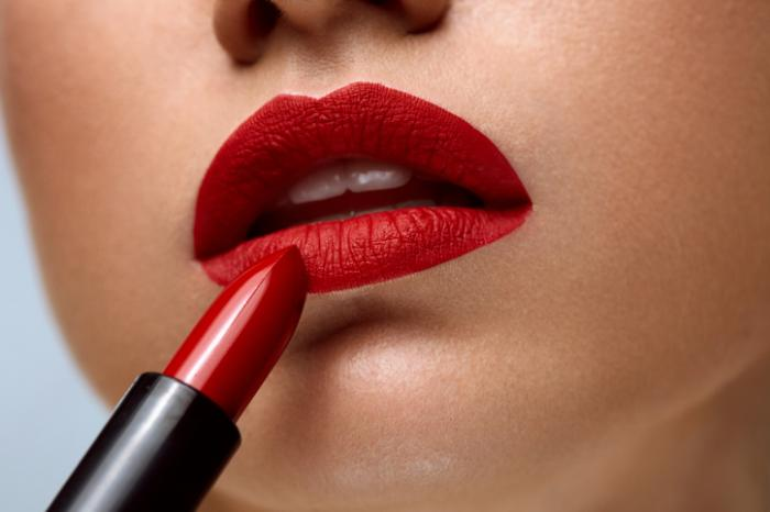 Chanel Releases AI Lipscanner App