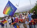Hungary Fans Bemused by Rainbow-Flag Reception in Munich